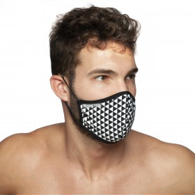 TRIANGLES MASK BLACK 10