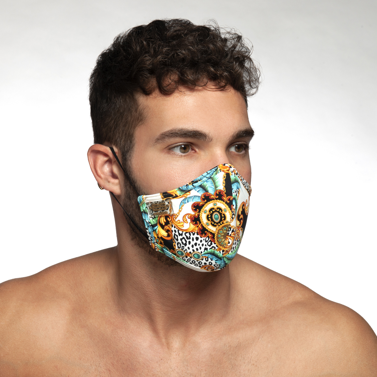 AC100 BAROQUE MASK BLACK 10
